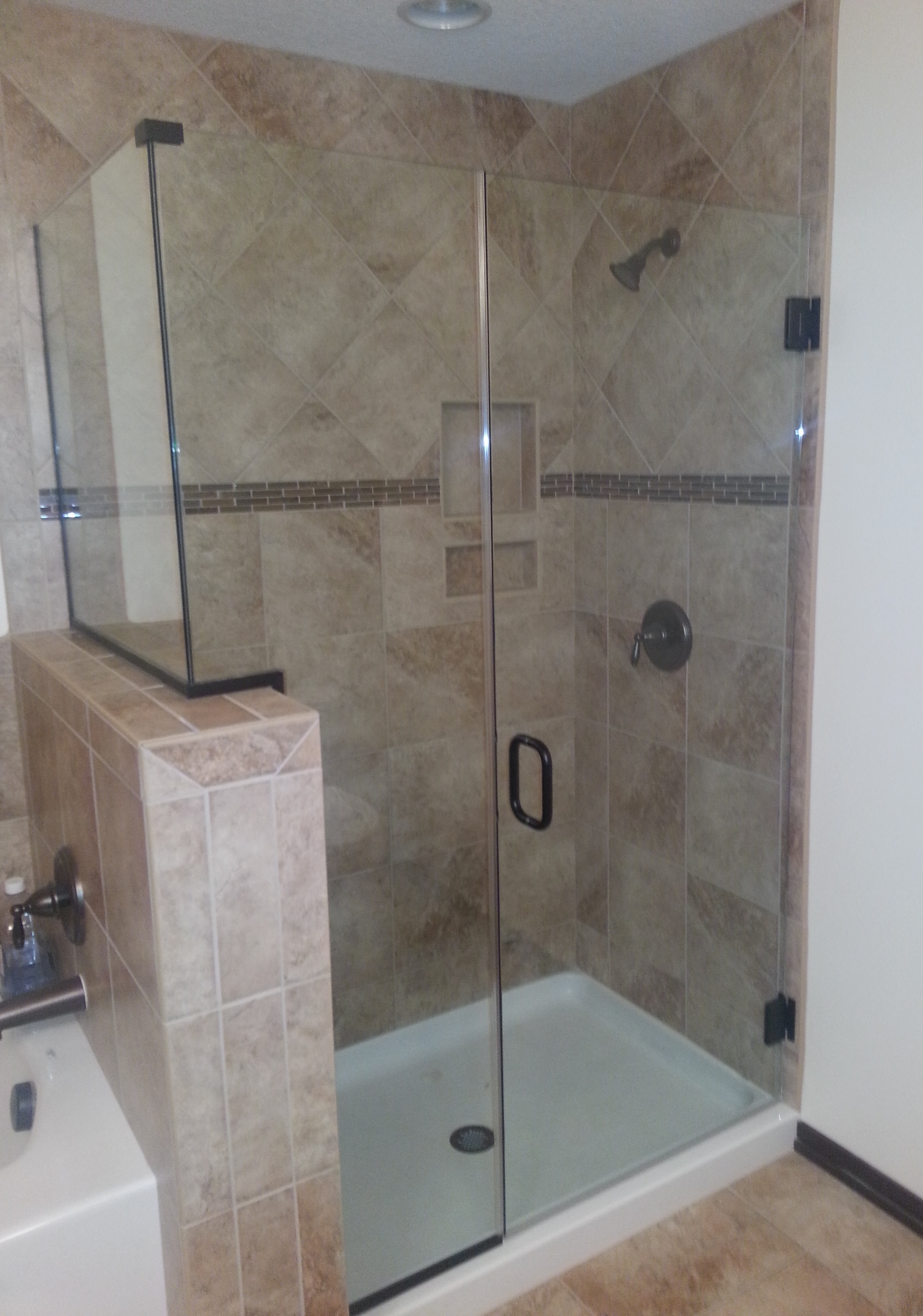 frameless, oil rubbed bronze, clear glass, inline/return, channel,