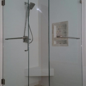 Shower Door with towel bar and handle combination inline panel and return pane with towel barl using clamps